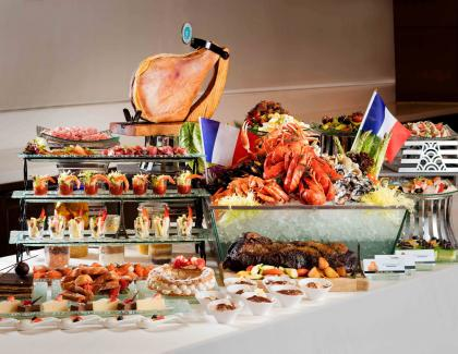 Classic French Dinner Buffet_4
